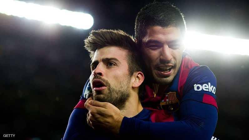 Photo of ديربي كتلونيا : رأسية بيكيه تجنب برشلونة الخسارة امام إسبانيول