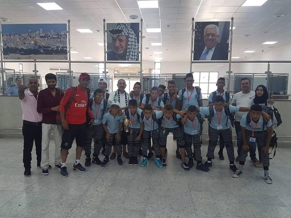 Photo of عودة فريق اكاديمية باريس سان جيرمان بعد مشاركته في بطولة شرم الشيخ