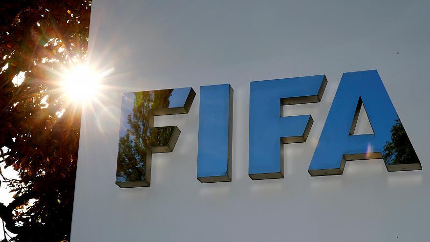 Photo of تعديلات جديدة على  قانون لمسة اليد في كرة القدم