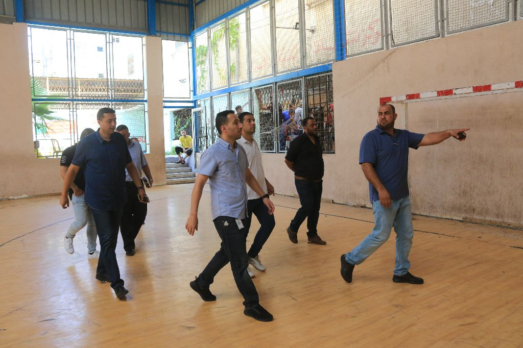 Photo of صور : وفد من شركة جوال يزور نادى خدمات النصيرات