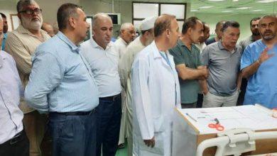 Photo of بالصور:أبو ماهر حلس يزور البحيصي في مشفى ناصر